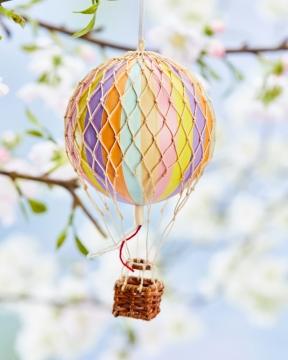 Floating The Skies luftballong regnbåge pastell 2