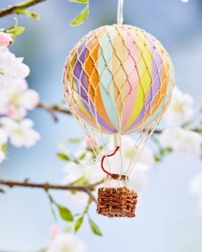 Floating The Skies luftballong regnbåge pastell 1