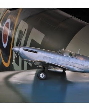 Aviator Spitfire modellflygplan 4