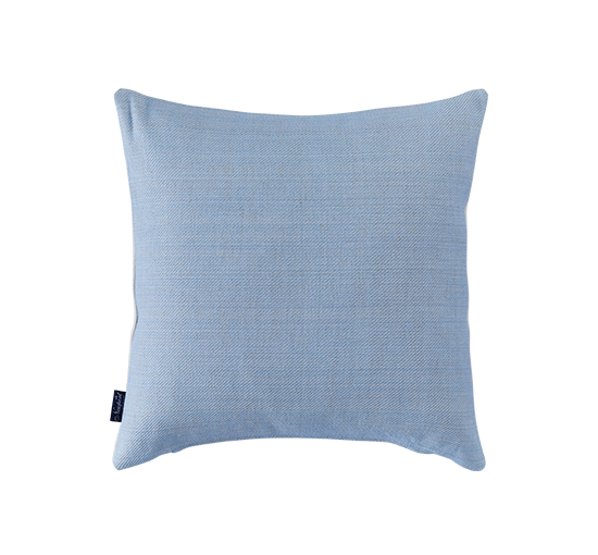 Listbild-brianna-kuddfodral-ljusblaY