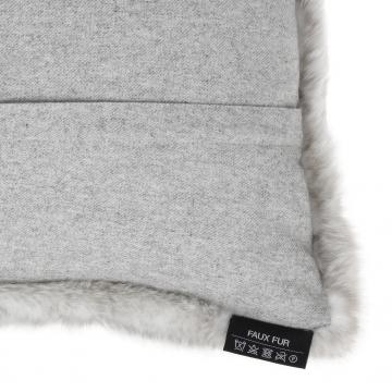 Alaska kuddfodral faux fur ljusgrå 40x60 4