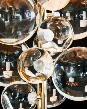 Globo bordslampa mässing 2