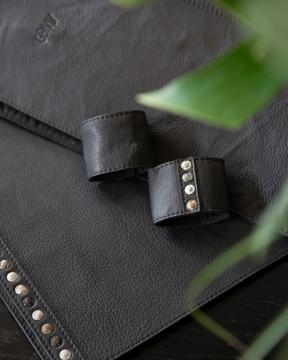 Nero Rivetti bordstablett svart 2
