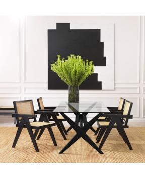 Maynor matbord svart 1