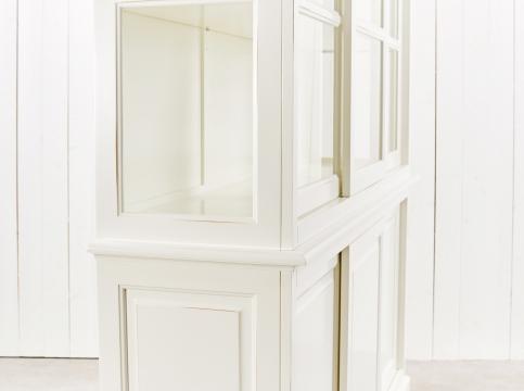 Assonet vitrinskåp vit 3