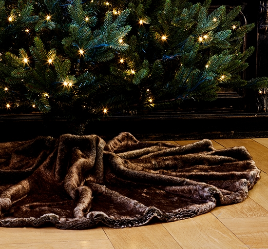Aspen brown bear christmas carpet listbild